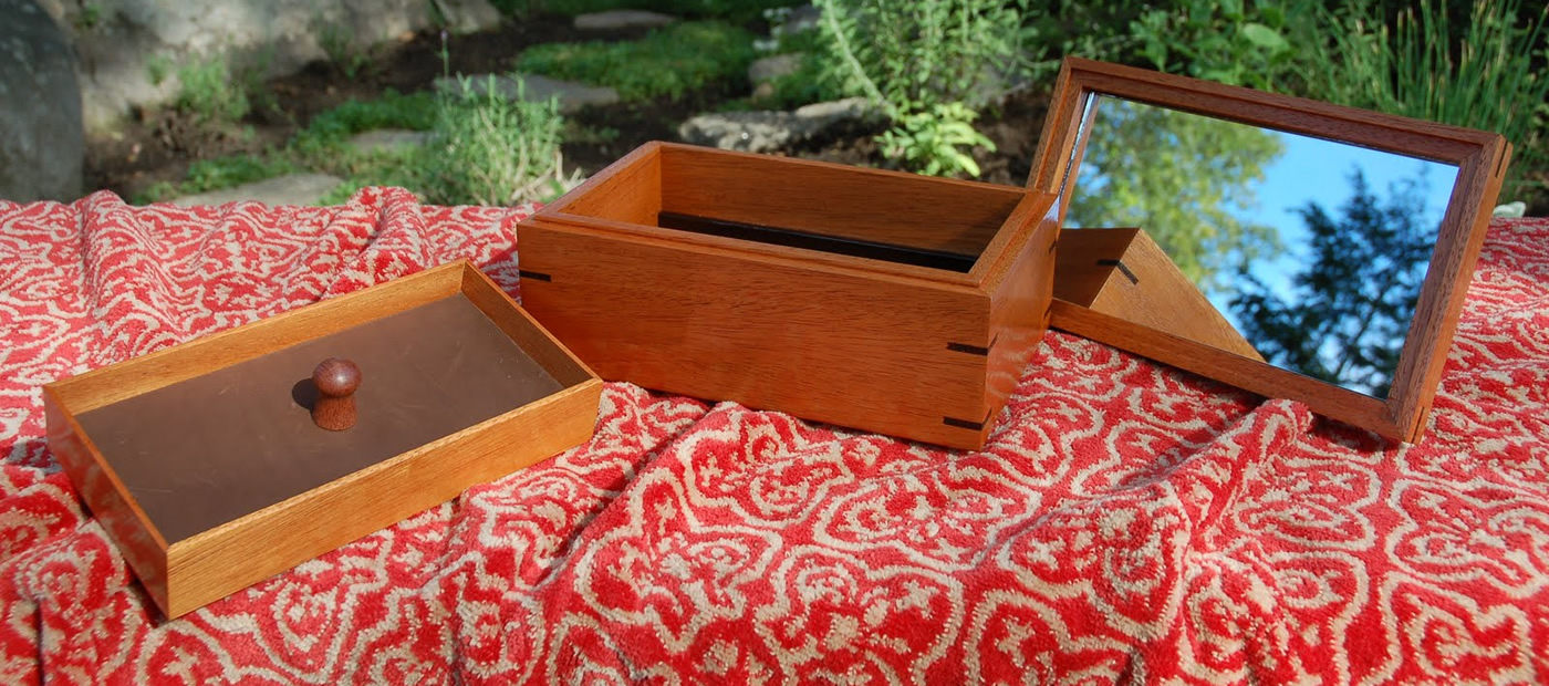 "Click On This Image To Learn More <p class=""alignright"">Mahogany and Wenge Jewelry Box</p>"